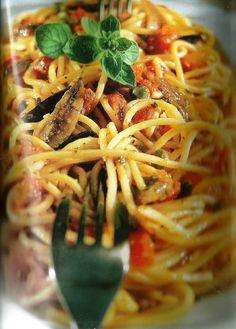 πουτανεσκα111 Spaghetti, Pasta, Ethnic Recipes, Food, Essen, Noodles, Yemek, Spaghetti Noodles, Ranch Pasta