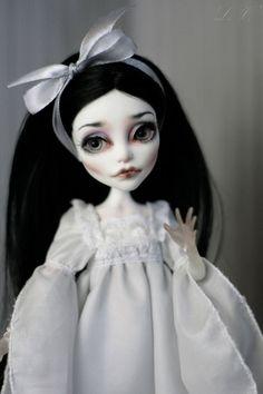 Monster High Ooak Custom Spectra repaint doll glass by LadyVerrin