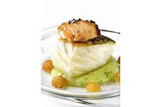Descubre este bacalao con patatas y huevo, una receta deliciosa para quedar genial delante de tus invitados.