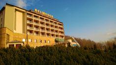 Teraz gdy słońce coraz częściej wygląda zza chmur, hotel prezentuje się pięknie w blasku jego promieni. Wiosna pełną gębą! ;)