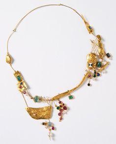 Hermann Jünger - Necklace (1957). Gold, emeralds, sapphire, rubies, moonstone, enamel. Picture from http://www.artjewelryforum.org