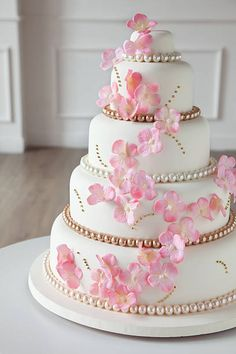 ideas para tu pastel de 15 años Beard beardsley g gundam Birthday Cake Roses, 15th Birthday Cakes, Beautiful Birthday Cakes, Beautiful Cakes, Amazing Cakes, 5 Tier Wedding Cakes, Wedding Cake Photos, Paris Sweet 16, Sweet 15