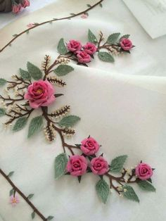 Don't know what this is called/вышивка лентами / Brazilian Embroidery Stitches, Embroidery Needles, Hand Embroidery Stitches, Silk Ribbon Embroidery, Hand Embroidery Designs, Embroidery Techniques, Beaded Embroidery, Embroidery Patterns, Ribbon Art