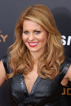 Love her hair! Candace Cameron Bure – The Hunger Games: Mockingjay, Part Screening in NYC Candace Cameron Bure Family, Cameron Hair, Candice Cameron Bure Hair, Candance Cameron, Dj Tanner, Pelo Bob, Strawberry Blonde, Strawberry Fields, Hair Today