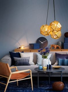 Decorating Ideas Geometric shapes and forms, decoration patterns and prints are one of modern interior design trends. Interior Design Principles, Interior Design Tips, Interior Inspiration, Interior Sketch, Beautiful Interior Design, Contemporary Interior Design, My Living Room, Home And Living, Geometric Decor