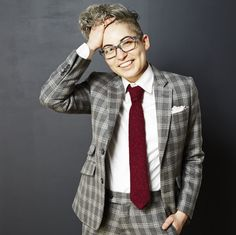 Masculine suits for women, trans men, and anyone who wants to look handsome AF Butch Fashion, Queer Fashion, Tomboy Fashion, Tomboy Style, Celebrities Fashion, Ladies Fashion, Curvy Fashion, Fall Fashion, Fashion Ideas