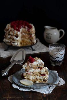 Pavlova de caramelo con mascarpone y frambuesas (y mi blog cumple un añito!) | Con aroma de vainilla