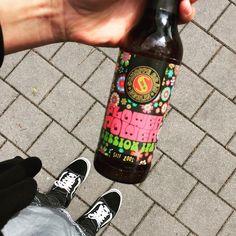 🌹🌼🌺🌻🌷🌸Etwas Farbe in Leben bringen 😜 Session IPA von @schoppebraeu #beerlove #fromwhereistand #oderso #beerstagram #flowerpower #sessionipa #beer #craftbeer #craftbeerstagram #berlin #schoppebräu #vans #oldskool #bier #brauen #beerblogger