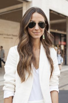 white t-shirt with a white blazer // love this combination for transitioning to fall #fashion #whiteout