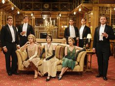 The cast of Downton Abbey in the library at Alnwick Castle Downton Abbey Season 6, Downton Abbey Movie, Downton Abbey Fashion, Matthew Crawley, Matthew Goode, Edith Crawley, Maggie Smith, Gentlemans Club, Ireland People