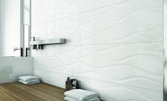 Spectra seinälaatta. Koko 30×90 cm, White Onda -kuviolaatta.