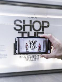 Zara Poised to Launch Augmented Reality App Interactive Walls, Interactive Installation, Interactive Design, Virtual Reality Education, Futuristic Technology, Technology Gadgets, Energy Technology, Fashion Technology, Medical Technology