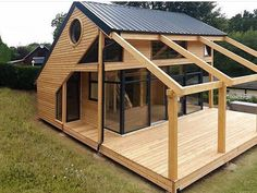 Organic Gardening Supplies Needed For Newbies Architecte : Patrick Ballester Maisons Ossature Bois Daction 2000 - France 30 House In The Woods, My House, Wendy House, Casas Containers, Tiny House Design, Cabin Design, Future House, Building A House, Building Plans
