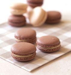 Macarons vanille chocolat - 20 mars la journée du macarons !