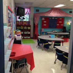 Half moon tables as student desks Holly Room Circus Theme Classroom, Preschool Classroom Decor, Classroom Setting, Kindergarten Classroom, Future Classroom, Classroom Organization, Classroom Ideas, Preschool Circus, Classroom Management