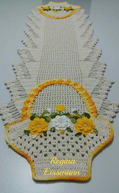 Discover thousands of images about Best 12 Passo a passo caminho de mesa cesta de flores(parte jennys croch – SkillOfKing. Crochet Bedspread Pattern, Crochet Motif, Crochet Doilies, Crochet Flowers, Free Crochet, Crochet Patterns, Crochet Home, Crochet Crafts, Diy Crafts