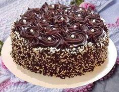 Bolo Trufado de Chocolate – Saúde Vida Total Mug Recipes, Cake Recipes, Surprise Inside Cake, Chocolate Cake Designs, Sweet 16 Birthday Cake, Cake Boss, Cake Toppings, Shower Cakes, Yummy Cakes