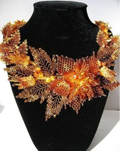 AFRICAN TASTE: Floral beaded necklace!! Magnificent!!!