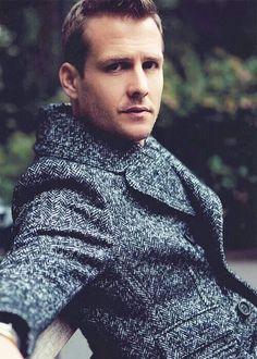 Gabriel Macht Actor, Suits (as Harvey Specter) ガブリエル・マクト 俳優 スーツ Harvey Specter Suits, Suits Harvey, Suits Series, Suits Tv Shows, Gabriel Macht, Famous Men, Famous Faces, Man Magazine, Thalia