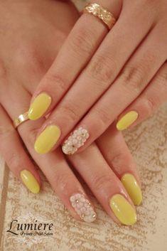 パステルイエローネイル 花柄ネイル/Pastel yellow nails