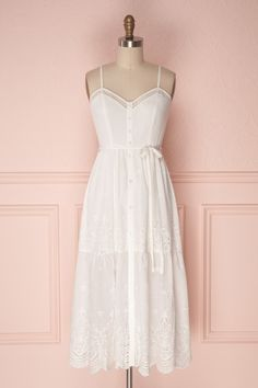 Inma #boutique1861 #dress #white #lace #crochetedlace #summer #summerdress #straps #buttons #casual