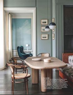 Get inspired by these dining room decor ideas! From dining room furniture ideas, dining room lighting inspirations and the best dining room decor inspirations, you'll find everything here! Dining Room Sets, Dining Room Design, Dining Room Chairs, Dining Table, Dining Area, Table Bench, Coffe Table, Kitchen Tables, Decoration Inspiration