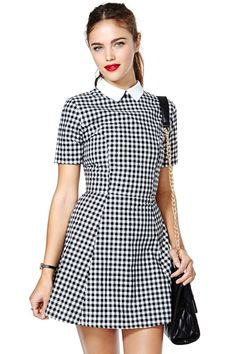 Cute Fall 2014 gingham dress with a white collar attached! Motel Joni Dress