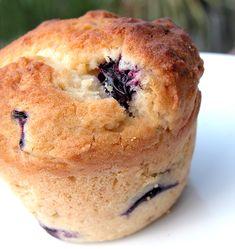 Muffin ai mirtilli | http://www.ilpastonudo.it/dolci/muffin-ai-mirtilli/