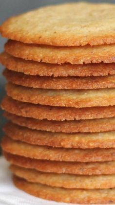 Crisp Almond Cookies - Chocolate Chocolate and More! Crisp Almond Cookies ~ thin crisp cookies with lots of almond flavor Köstliche Desserts, Delicious Desserts, Dessert Recipes, Yummy Food, Healthy Food, Healthy Eating, Puff Pastry Desserts, Healthy Recipes, Healthy Nutrition