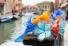 With so many choices and prices, shopping on Murano can be an overwhelming experience; a little advance homework goes a long way.