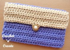 A simple to make clutch purse that is functional, its made in an easy crochet stitch, so is ideal if you are a beginner crocheter.
