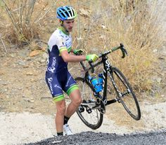 2014 vuelta-a-espana photos stage-07 - Adam Yates also crashed today