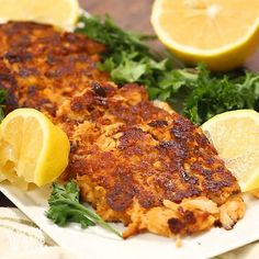 Crab Cakes An easy keto cakes recipe that gluten-free and low carb.An easy keto cakes recipe that gluten-free and low carb. Pork Rind Recipes, Salmon Recipes, Seafood Recipes, Diet Recipes, Healthy Recipes, Recipies, Low Crab Meals, Pan Cetogénico, Crab Cake Recipes