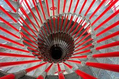 Amazing Exemple of Spiral Staircase Photography