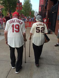 Adorable Elderly Couple Root for Different Teams But Celebrate Love with Matching Jerseys - My Modern Met