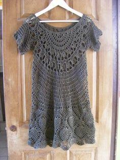 Chorrilho de ideias: Vestido juvenil cinza em crochet