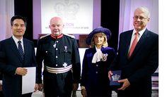 패스티브 - 하나님의 교회, 영국 여왕상 수상
