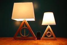 Harry Potter reliques mort Table MINI par GoldenRatioFurniture