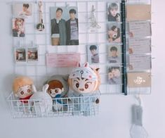 """Find and save images from the """"kpop room"""" collection by venna (callmebuby) on We Heart It, your everyday app to get lost in what you love. Study Desk Organisation, Room Organization, Room Ideas Bedroom, Room Decor, Wire Memo Board, Dream K, Desk Inspo, Aesthetic Style, Desk Set"""