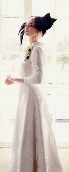 Edwina Ibbotson Headpiece, Stewart Parvin Dress in You  your Wedding magazine.