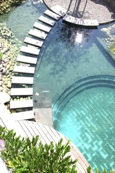 The stepping stones separate the swimming environment from … natural pool design! The stepping stones separate the swimming environment from the plant environment. Pond Design, Landscape Design, Garden Design, House Design, Natural Swimming Ponds, Natural Pond, Natural Garden, Piscina Hotel, Beautiful Pools