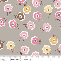 Riley Blake's Daisy Cottage Flowers on Gray by QuiltiliciousFabric on Etsy