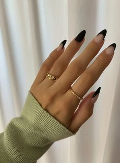 Edgy Nails, Funky Nails, Stylish Nails, Trendy Nails, Swag Nails, Grunge Nails, Gold Nails, Sophisticated Nails, Classy Nails