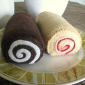 Felt Sweets: Jam Roll + Swiss Cake Roll - via @Craftsy - great for my diet !!!
