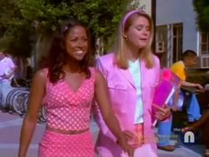 Fashion Tv, Clueless Fashion, 2000s Fashion Trends, Early 2000s Fashion, Teen Fashion Outfits, Retro Outfits, Fashion Books, Stacey Dash Clueless, Dionne Clueless Outfits