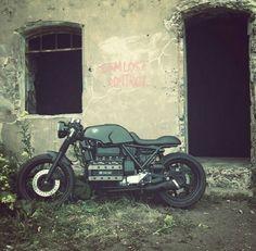 K100 Bike Bmw, Cafe Bike, Bmw Motorcycles, Custom Cafe Racer, Bmw Cafe Racer, Cafe Racers, Bobber, K100 Scrambler, K100 Bmw