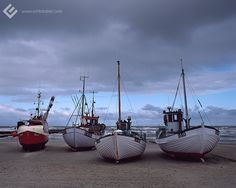Løkken, 2010. // #analog #analogfotografie #120 #rollfilm #mediumformat #mittelformat #pentax #pentax67II #diafilm #slidefilm #boat #fishingboat #boot #fischerboot #beach #strand #hafen #harbor #harbour #denmark #daenemark #reise #travel