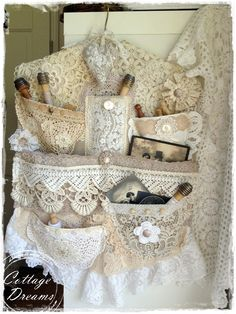 LACE, LACE ,LOVE LACE...Cottage Dreams: garden, flea market .... Lace