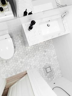 Hexagons in genuine Bianco Carrara marble. It is always in stock with us and fi . Relaxing Bathroom, Bathroom Spa, Bathroom Toilets, Bathroom Renos, White Bathroom, Small Bathroom, Home Interior, Bathroom Interior, Bathroom Inspiration
