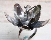 flower ring: night blossom